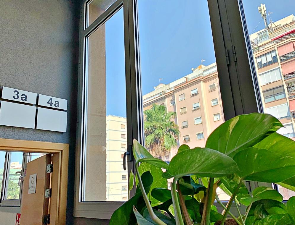Sostenibilidad en la rehabilitación - ventanas cradle to cradle Edificio Gonsi Carrilet - Hospitalet Barcelona